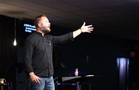 Nick Nye Preaching